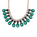 ガラス石造りの女性の水晶ネックレスの緑水晶水形のネックレス