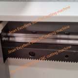 Ausgezeichneter Stern-vibrierende Messer-Ausschnitt-Maschine für Schutzblech 1214
