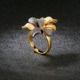 Joyería artificial del anillo del coctel de la flor del negro y del color del oro