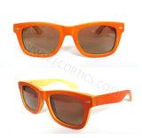 Classique bambou et lunettes de soleil en bois en lentilles polarisées