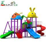 Slide de plástico Tipo Giro de plástico e deslize as crianças parque ao ar livre