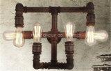 Lámpara de pared casera decorativa con el tubo de agua