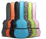 Molti Multi- sacchetto multicolore della chitarra