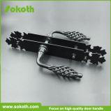 Sokthの版の黒い錬鉄のドアハンドル