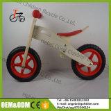 O produto novo quente para a bicicleta de madeira barata para miúdos, forma o brinquedo de madeira da bicicleta do balanço