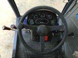 individu de 4m3 4X4 chargeant le camion diesel mobile de mélangeur concret