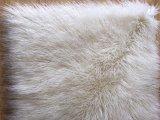우유 백색과 순수한 백색 푹신한 몽고 가짜 모피
