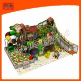 Los niños Jungle Gym con tubo en espiral diapositiva