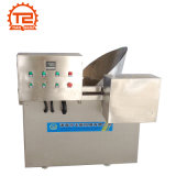 Machine de friteuse en lots et poulet frit faisant frire la machine