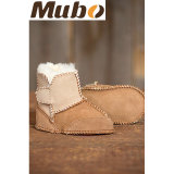 Zapatos de bebé recién nacidos de la zalea merina de la alta calidad