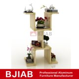 Kundenspezifisches moderne goldene Teakholz-Ausgangsmöbel-Aluminiumblumen-Regal