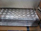 Алюминиевая пластина с шашечным рисунком 5 бар