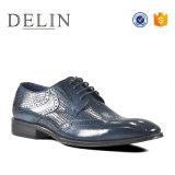 Professional Gentleman robe dentelle à la mode jusqu'en cuir des chaussures