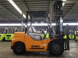 Chariot élévateur diesel de 3.0 tonnes avec le changement de vitesses latéral à vendre