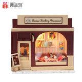 Casa de boneca de madeira de estilo europeu