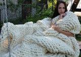 方法アクリルのウールの柔らかいベッドの手によって編まれるかぎ針編み毛布の敷物
