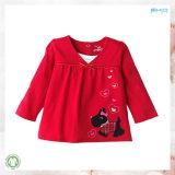 빨간 아기 의복 아기는 소녀 t-셔츠를 입는다