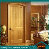 Puerta del panel interior clásica de madera sólida