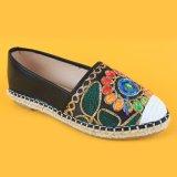 Espadrilles ботинок квартир вышивки повелительниц черные плоские затавренные