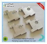 Berufs-CNC-Präzisions-maschinell bearbeitende Aluminiumteile, die CNC-maschinell bearbeitenteile maschinell bearbeiten