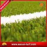 Gras van het Gras van het Gebied van de Voetbal van de fabriek het In het groot Kunstmatige