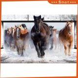 Идущая картина маслом белой лошади для украшения трактира