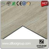 Plastikbodenbelag-Typ und einfacher Farben-Oberflächenbehandlung Belüftung-Gleitschutzbodenbelag