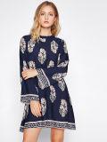 Подгонянное платье втулки кимона связи шеи способа женщин Frilled назад