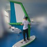제조자는 판매를 위한 항해 배를 만들었다