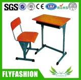 小学校の机および椅子の学校の教室の家具