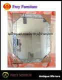 Specchio incorniciato di legno popolare con il disegno del mosaico