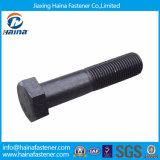Feito nos parafusos do Hex do preto do aço de carbono de China DIN931 Grade8.8