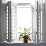 Windowsの装飾のための2018の耐久財のBasswoodのプランテーションシャッター