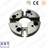 CNC에 의하여 주문을 받아서 만들어지는 강철 선반 도는 기계로 가공 제작 중앙 기계 부속품