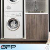 Moderner Entwurfs-kundenspezifische hölzerne Furnier-Blattbadezimmer-Schränke für Projekt