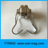 El acero contuvo los imanes de la taza con los ganchos de leva desmontables