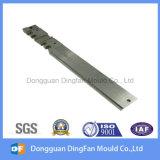 Pièce de usinage de commande numérique par ordinateur de qualité de fournisseur de la Chine pour le moulage de garniture intérieure