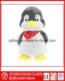 Jouet chaud de pingouin de vente pour le cadeau promotionnel de bébé