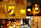 Movendo velas LED decorativas de chamas