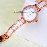 Reloj de moda de la pulsera del oro de las mujeres al por mayor para las muchachas de las señoras