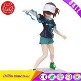 Menina com figura do modelo da ação do chapéu