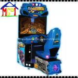 Interior de la sobremarcha simulada de la consola de juegos arcade de carreras de coches