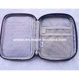 携帯用電子工学のオルガナイザーの薬準備ができた袋箱