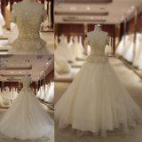 A perolização pesada peroliza fora do vestido de casamento nupcial do vestido de esfera do ombro