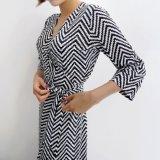 Деловых обедов леди элегантный шаблон полосы V-образный вырез горловины юбки