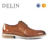 人のための熱い販売の新しいデザイン牛革靴の偶然靴