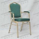 Yc-D102-5は椅子を食事する使用されたホテルのレストランのアルミニウムスタッキングのArmrestを卸し売りする