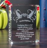 高品質のクリスタルグラスの彫版の立方体