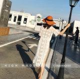Die moderne reizvolle lange Hülse, die schnüren geöffnet ist zurück sich, oben Frauen-Bodysuit
