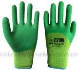 Желтое перчатки безопасности отделки латекса 3/4 покрынные, котор развевали работая